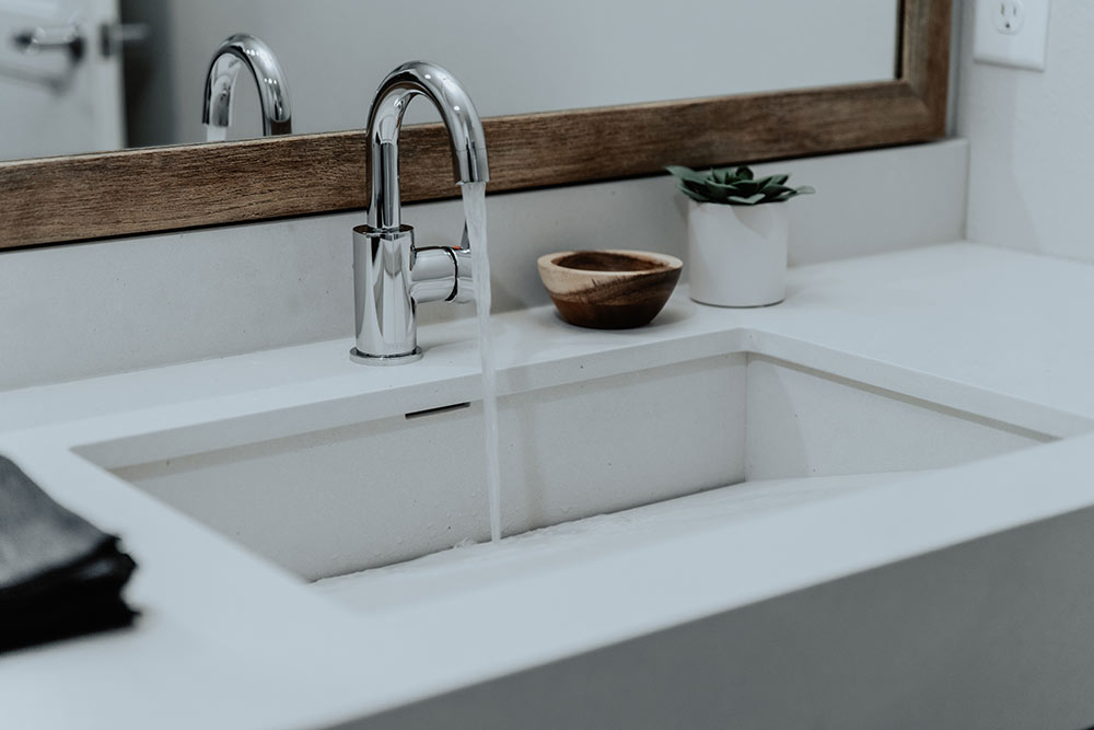sokul surfaces vanity collection 16